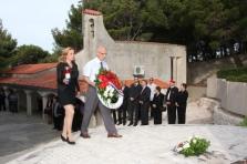 Polaganje vijenaca u spomen na sve poginule za domovinu kod Središnjeg križa3