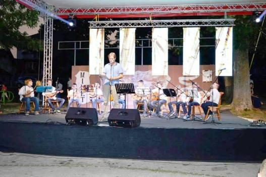 Najava nastupa mandolinskog orkestra